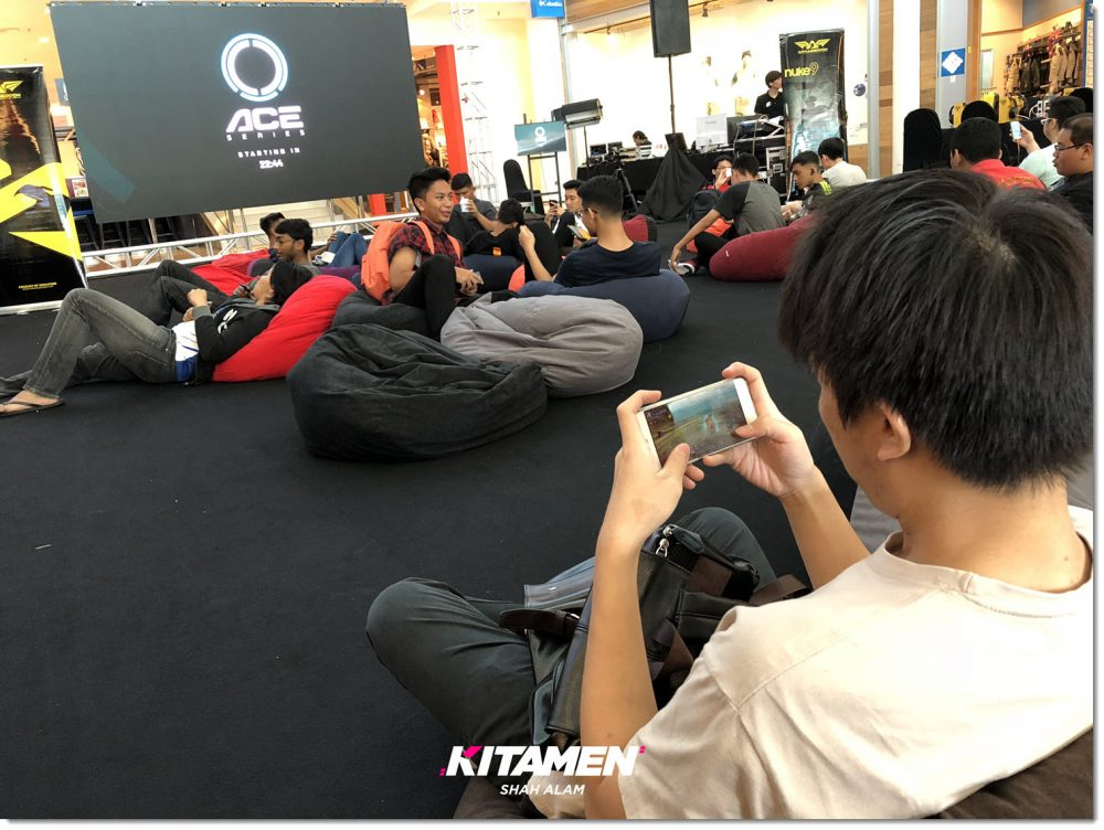 someone playing Dragon Nest Mobile Kitamen Shah Alam